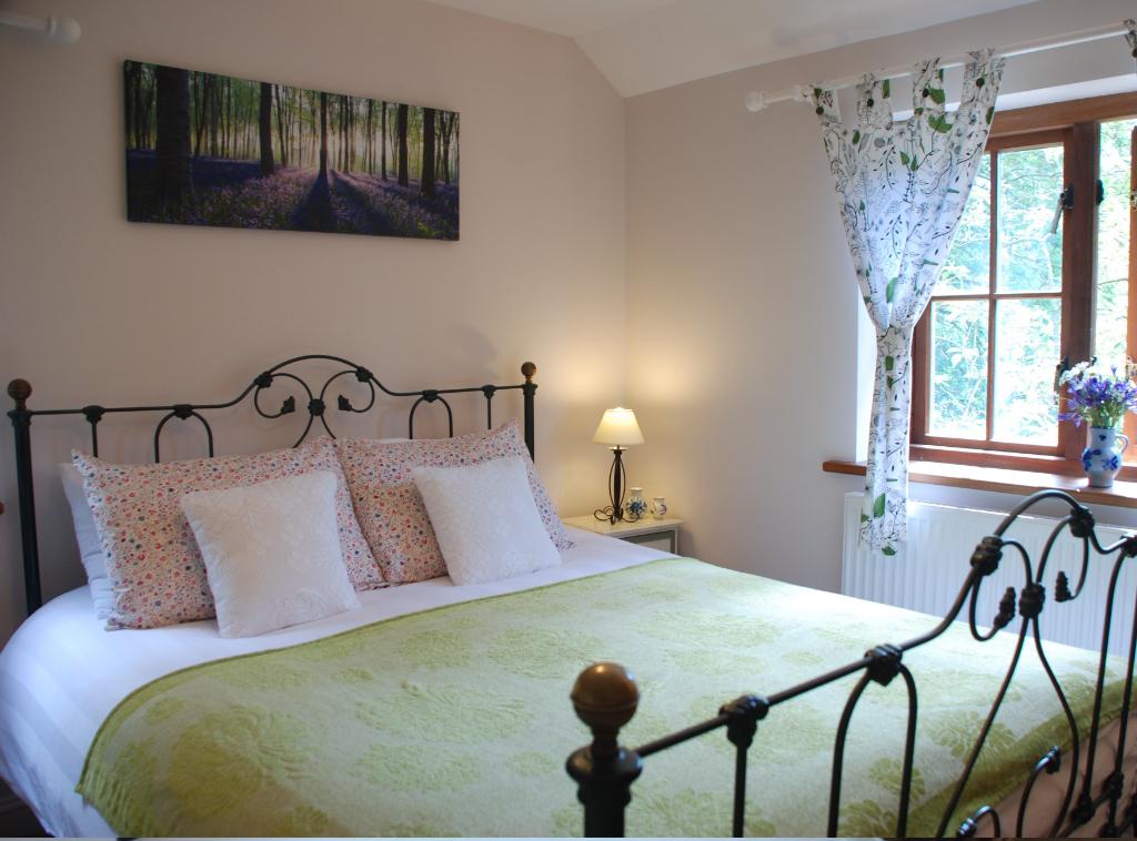 gal-bedroom